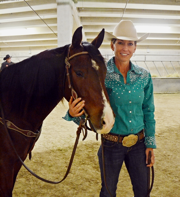 Marjie Robinson wins NRCHA Stakes Level 1 Limited Open on Smart Circle Cat